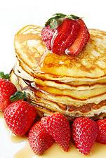 pancakes with strawberrie